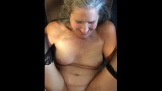 Matorka u seksi carapama